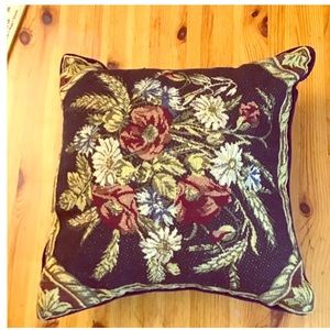 Hm Blue floral tapestry pillow
